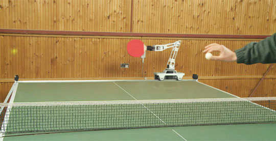Robô que joga Ping-Pong
